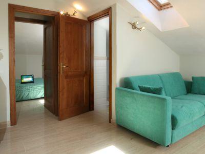 relais-villa-poggio-chiaro-pescia-romana-camera-matrimoniale-mansardata
