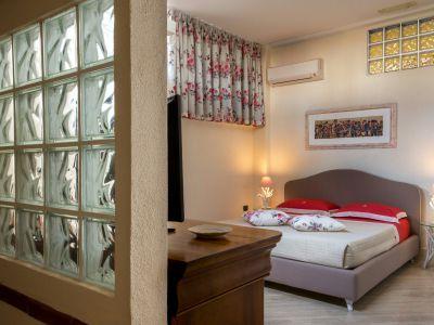 relais-villa-poggio-chiaro-pescia-romana-economy-double-room-3