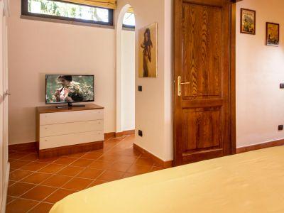 relais-villa-poggio-chiaro-pescia-romana-appartamento-2
