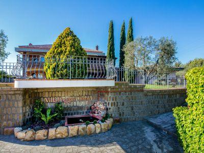 relais-villa-poggio-chiaro-pescia-romana-outdoor-7