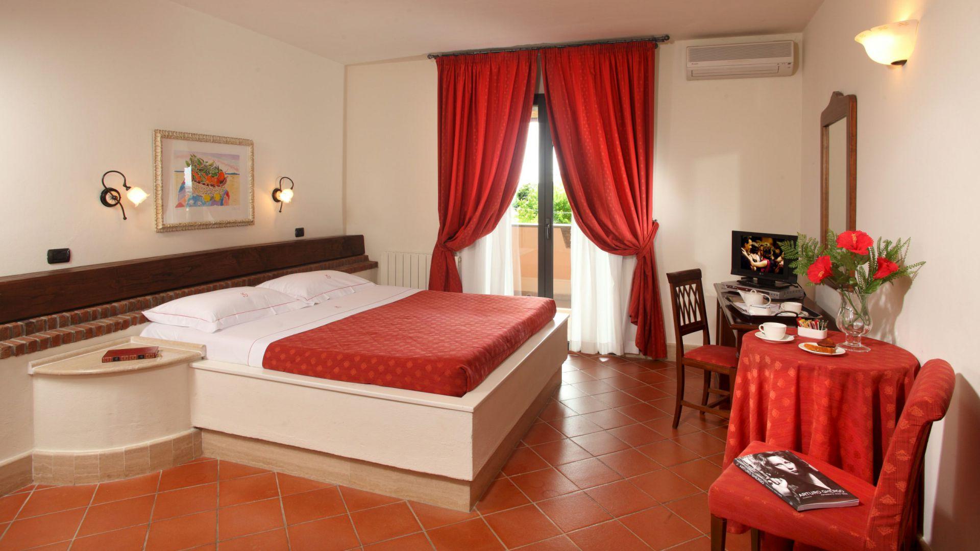 relais-villa-poggio-chiaro-pescia-romana-double-room-terrace