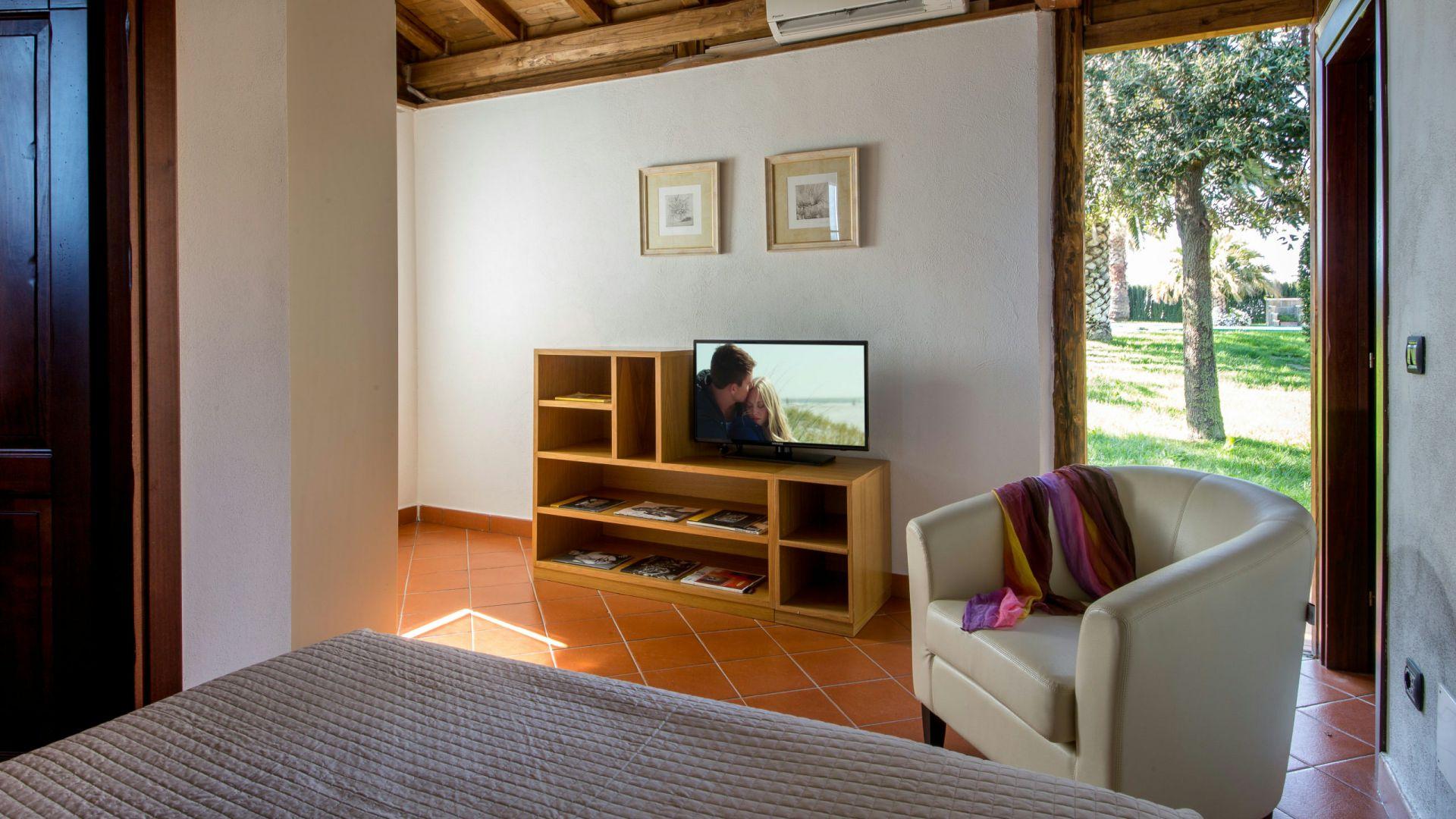 relais-villa-poggio-chiaro-pescia-romana-cottage-6
