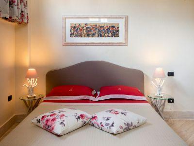 relais-villa-poggio-chiaro-pescia-romana-double-room-economy