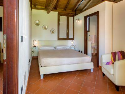 relais-villa-poggio-chiaro-pescia-romana-cottage-4