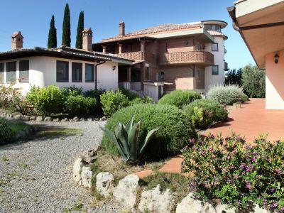 relais-villa-poggio-chiaro-pescia-romana-outdoor-4
