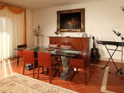 relais-villa-poggio-chiaro-pescia-romana-hall-3
