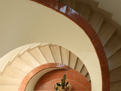 relais-villa-poggio-chiaro-pescia-romana-stair-detail