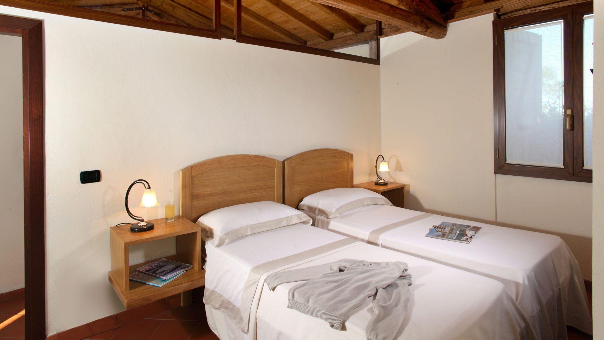relais-villa-poggio-chiaro-pescia-romana-cottage-2