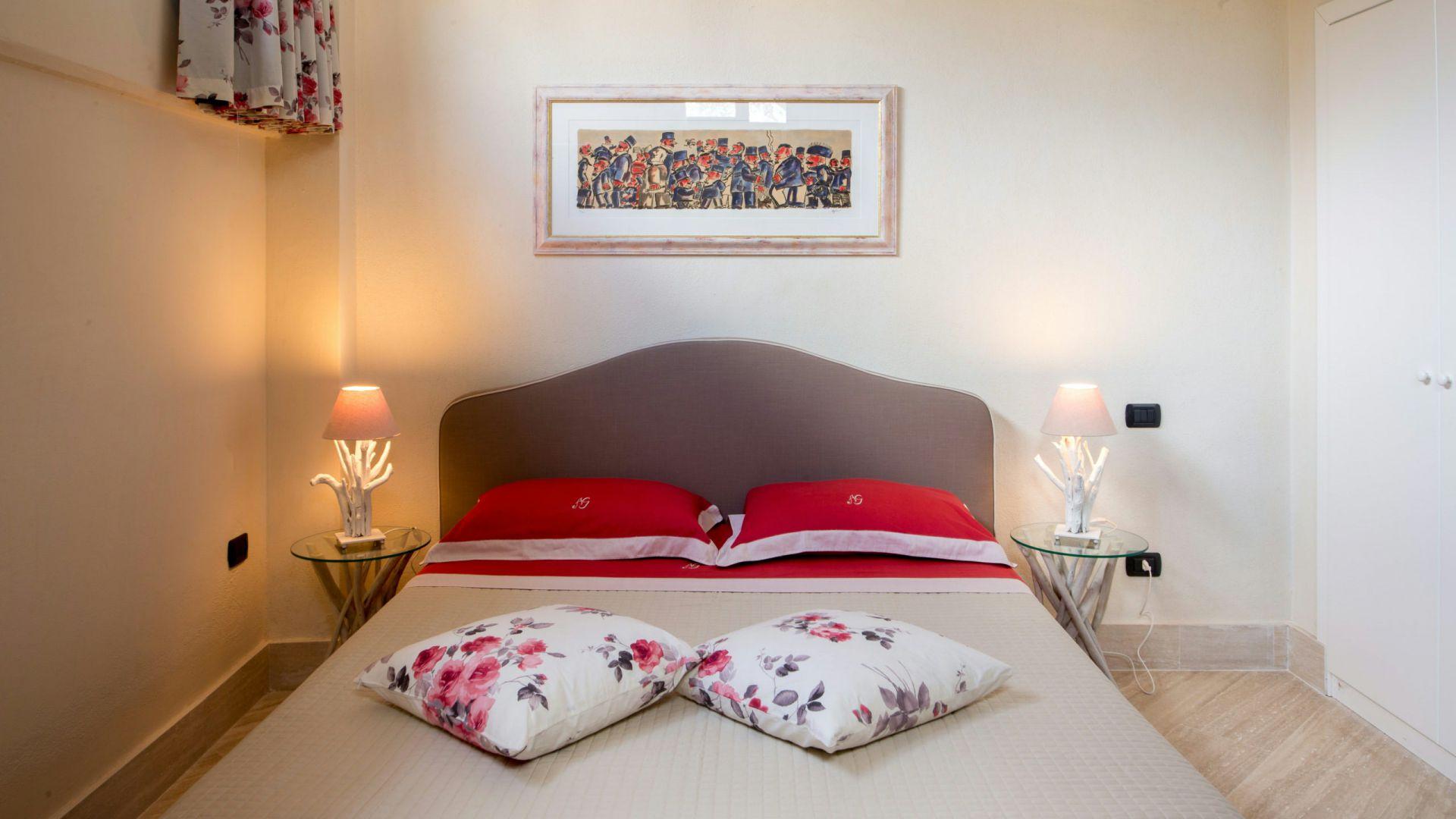 relais-villa-poggio-chiaro-pescia-romana-economy-double-room-2