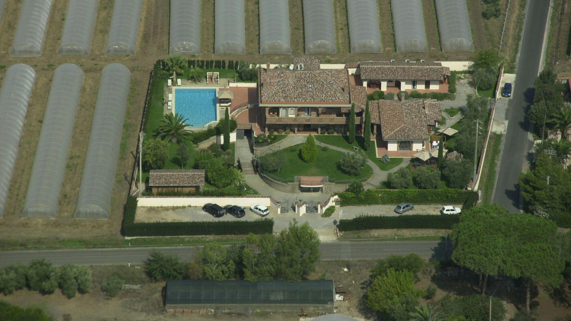 relais-villa-poggio-chiaro-pescia-romana-view